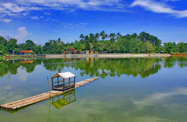 Danau Situ Gede Info Lokasi Spot Foto Terbaru 2020