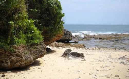 Pantai-Ngunggah-gunung-kidul-yogyakarta