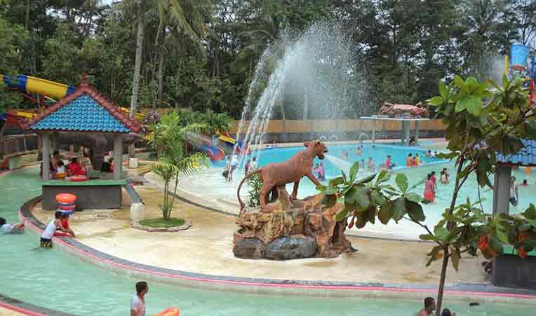 wisata-air-kudus-waterboom-mulia