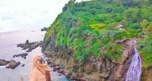 wisata pantai banyunibo gunungkidul