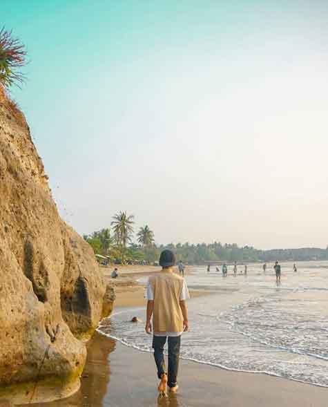 gambar pantai carita