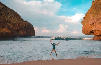 pantai greweng jogjakarta
