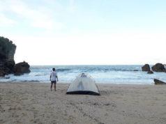 wisata pantai kayu arum